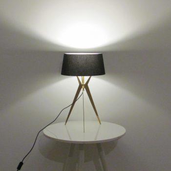 Đèn ngủ để bàn Resta chân màu gold, chụp đen